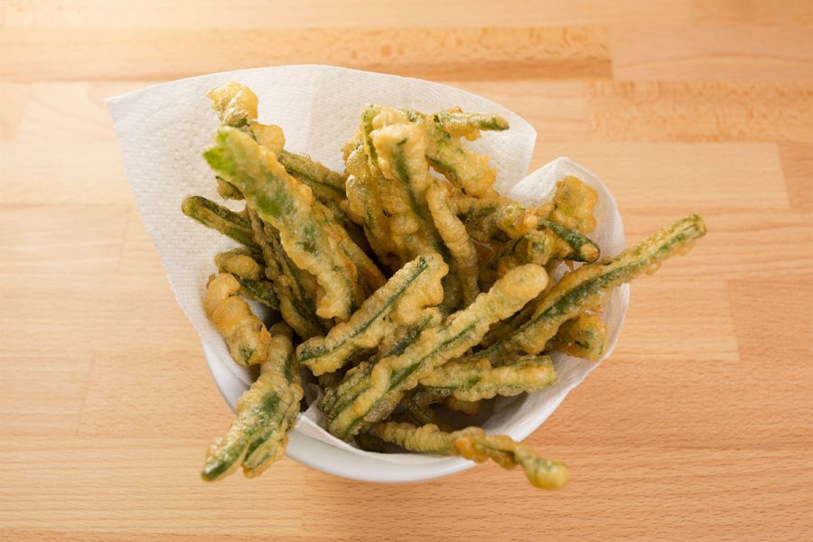 Beer Battered Green Beans with Tarragon Aioli