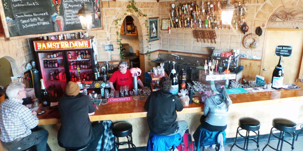 Cafe Amsterdam, Alaska